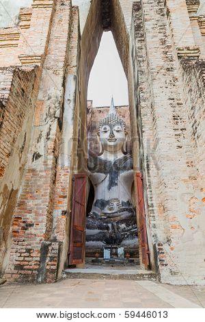 Big Buddha Statue At Wat Sri Chum
