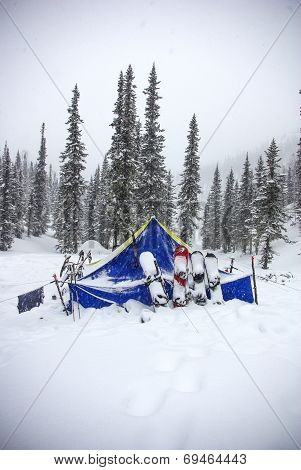 tent after a snowfall