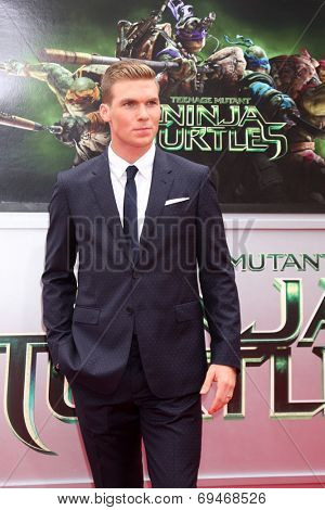 LOS ANGELES - AUG 3:  Pete Ploszek at the Teenage Mutant Ninja Turtles Premiere at the Village Theater on August 3, 2014 in Westwood, CA