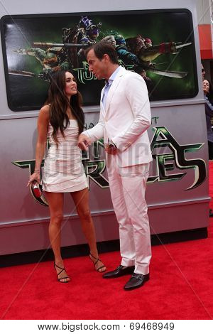 LOS ANGELES - AUG 3:  Megan Fox, Will Arnett at the Teenage Mutant Ninja Turtles Premiere at the Village Theater on August 3, 2014 in Westwood, CA