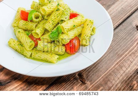 Rigatoni Pasta With Genoese Pesto And Sherry Tomato