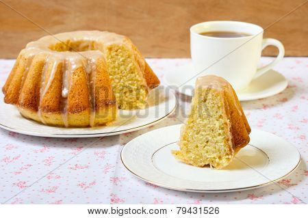 Vanilla And Cinnamon Bundt Cake