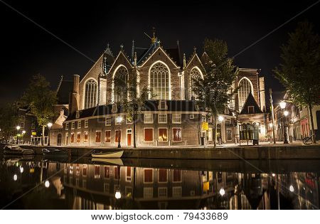 Amsterdam Night: The Oude Church