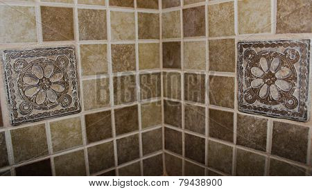 Corner backslash with two flower tiles