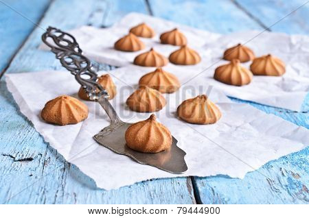 Small Cone-shaped Cookies