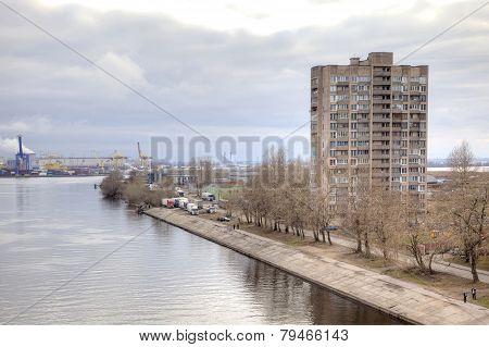 City Saint Petersburg. House Ashore Channel
