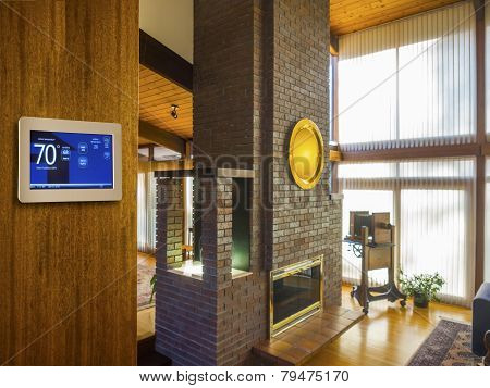 Programmable electronic thermostat