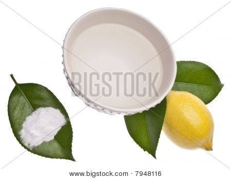 Natural Cleaning With Lemons, Baking Soda And Vinegar