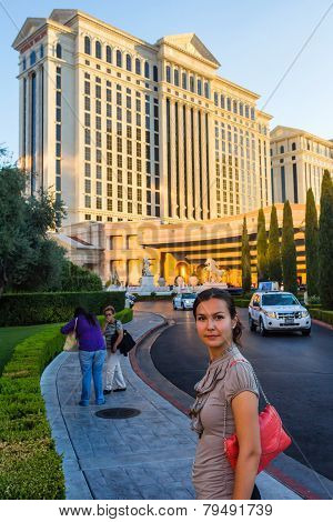 Amazed European Woman Walking In Las Vegas