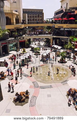 Artesian Well In Hollywood And Highland Center
