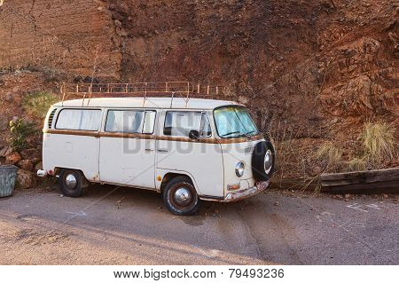 Retro Volkswagen Van