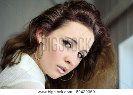 dark-haired girl with beautiful eyes