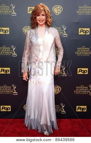 BURBANK - APR 26: Suzanne Rogers at the 42nd Daytime Emmy Awards Gala at Warner Bros. Studio on April 26, 2015 in Burbank, California