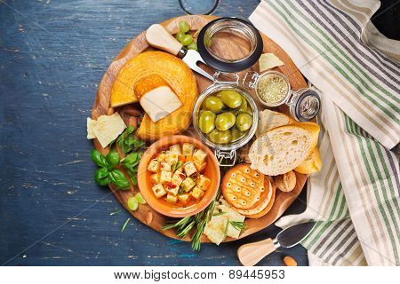 Cheese, olives and crackers