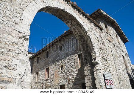 Porta St. Pietro. Gubbio. Umbria.