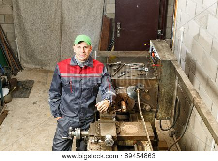 turner works for lathe