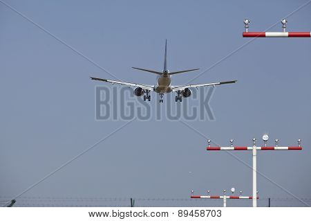 Frankfurt International Airport (germany) - Landing Approach