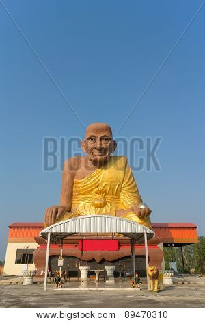 Monk statue for Luang Pu Thuat