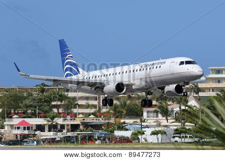 Copa Airlines Embraer Erj190 Airplane Landing St. Maarten Airport