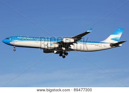 Aerolineas Argentinas Airbus A340-300 Airplane