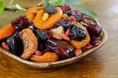 picture of apricot  - Assorted dried fruits  - JPG