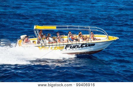Motor Boat Full Of Tourist
