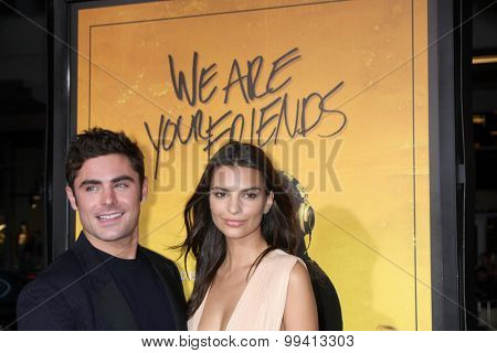 LOS ANGELES - AUG 20:  Zac Efron, Emily Ratajkowski at the