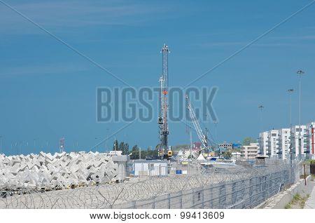 Mobile harbor crane Liebherr LHM 180