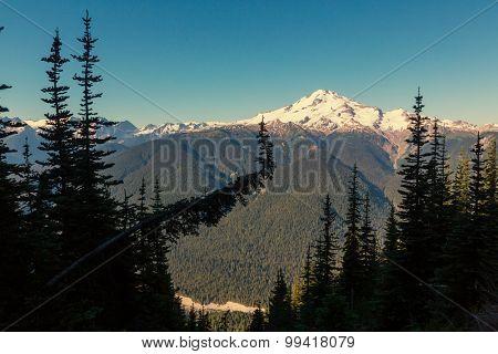 Glacier peak at sunrise, Washington, USA