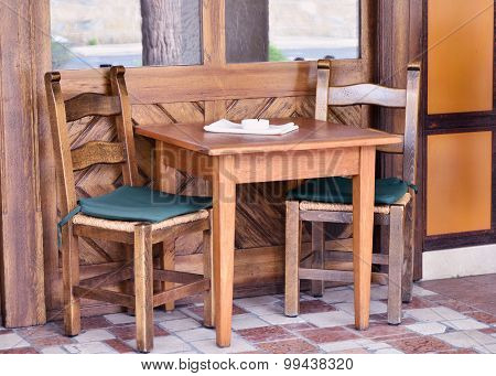 House  with wooden table and chairs
