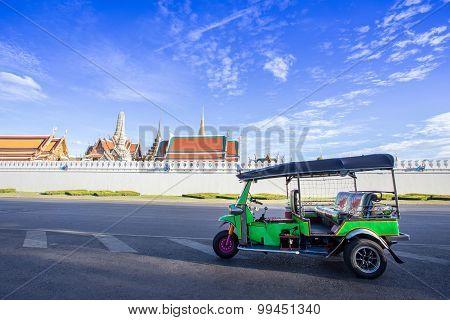 Tuk Tuk Parking For Waiting A Passenger, Bangkok Thailand