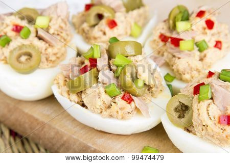 stuffed eggs with tuna