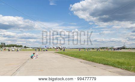 People On Aerodrome Kubinka