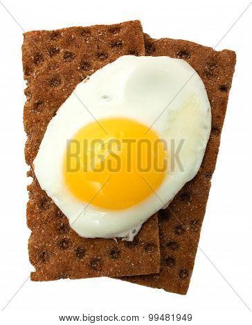 Breakfast: fried egg and crisp bread