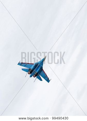 Powerful Military Is Flying The Su-27
