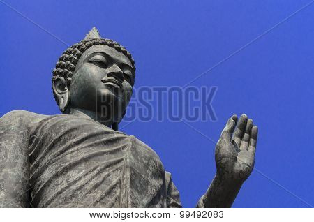 Photo Of Buddha Statue In The Buddha Monthon,nokonprothom,thailand On The Clear Sky Day
