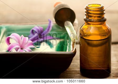 Hyacinth Essence With Small Bottle