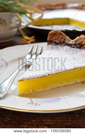 Delicious homemade lemon tart pie