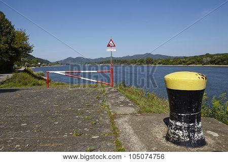 Rolandseck (remagen, Germany) - Boat Ramp Into The Rhine With Bollard