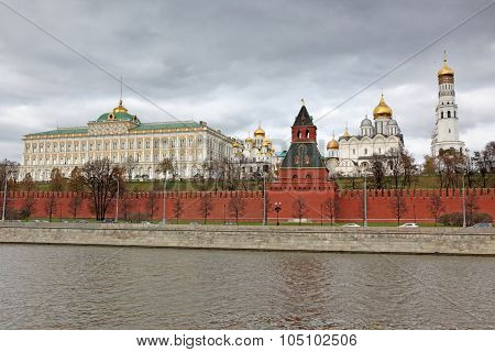 Moscow Grand Kremlin Palace With Churches View Through Moskva River And Kremlin Wall, Russia