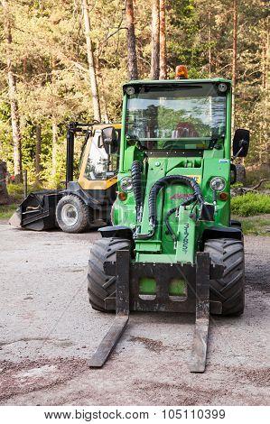 Green Forklift Avant 635