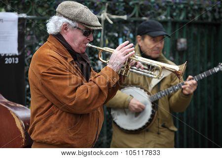 Paris - April 27: Unidentified Musician Play Before Public Outdoors On April 27, 2013 In Paris, Fran