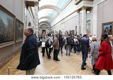 Paris - May 3: Visitors At The Louvre Museum, May 3, 2013