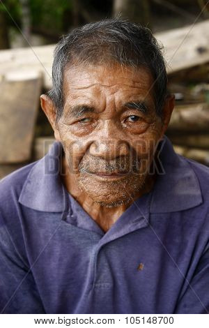 portrait of an old Filipino man