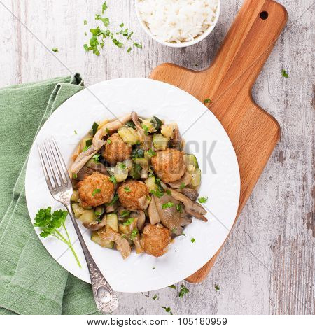Chicken meatballs with oyster mushrooms