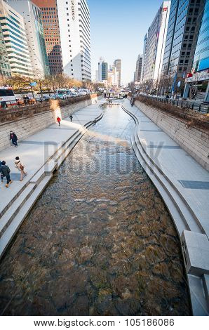 People At Cheonggyecheon Stream.
