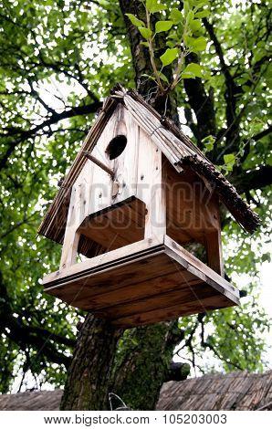 nesting box birdhouse