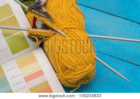 Knitting And Color Choice
