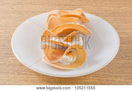 Thai Crispy Pancake Filled With Cream And Fios De Ovos