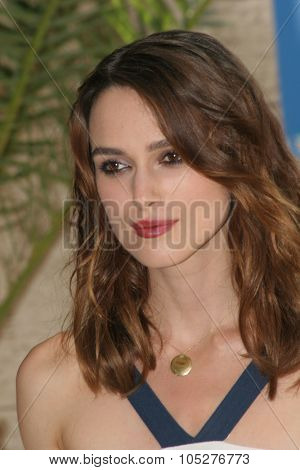 VENICE - AUGUST 29:Keira Knightley attends the Atonement Photocall during Day 1 of the 64th Annual Venice Film Festival on August 29, 2007 in Venice, Italy